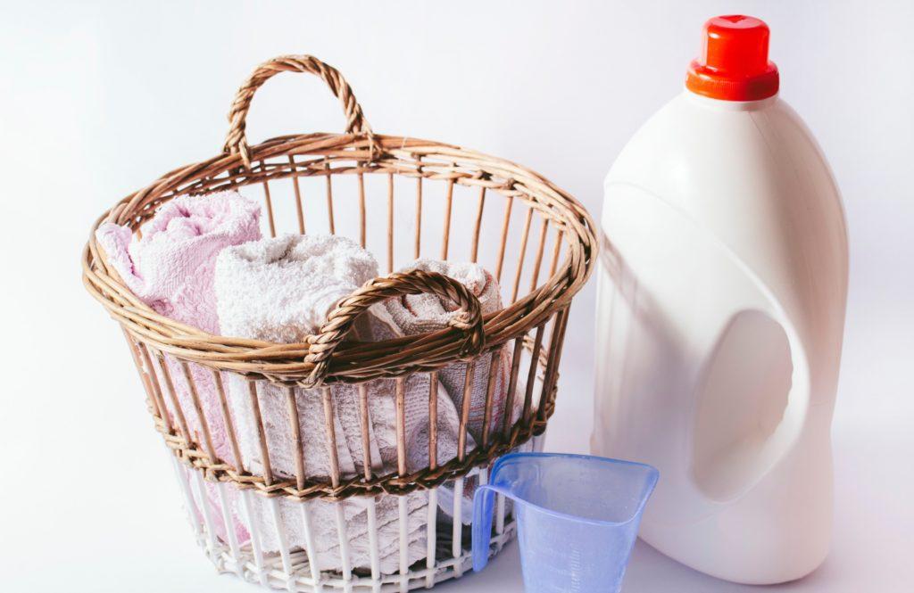 家事代行が実践する【汗染み、臭い対策】のオキシ系漂白剤使い分け
