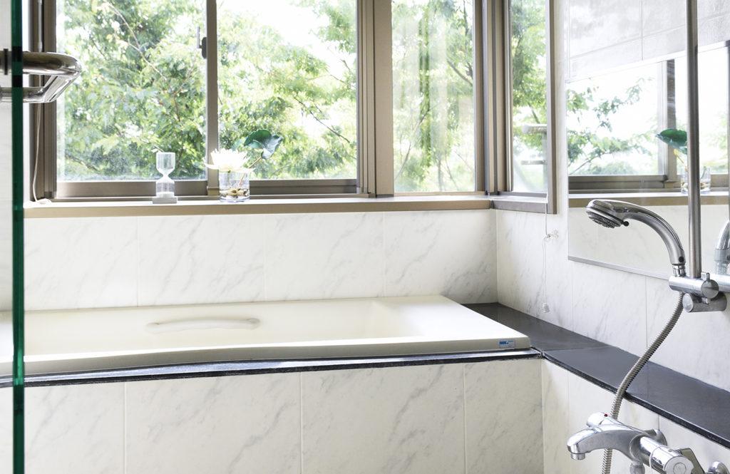 【掃除マニア直伝!】お風呂の赤カビ&黒カビ予防はオキシクリーンで