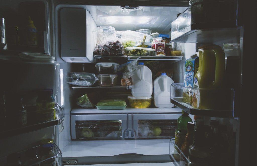 夏に向けて覚えておきたい【冷蔵庫マネジメント】で電気代を抑えて食材長持ち!