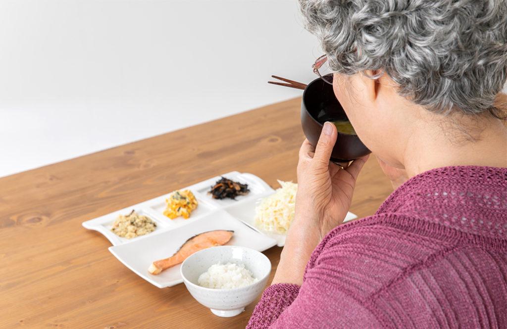 離れて暮らす「親が75歳以上」。 もしかしたら栄養不足かも!?